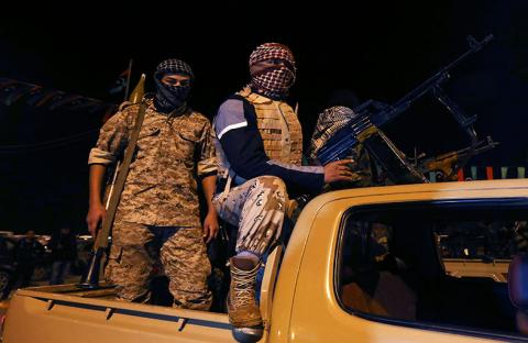 أزمة سياسية في ليبيا تضاف الى انفلات الأمن