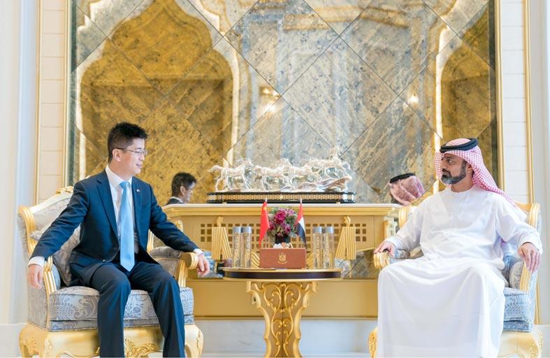 ولي عهد عجمان يستقبل القنصل الصيني