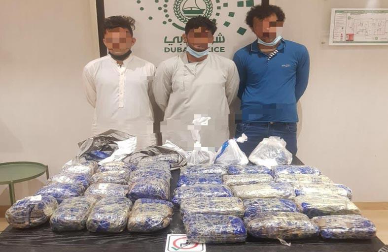شرطة دبي تُطيح بتشكيل عصابي دولي وتُحبط ترويج 33 كيلوجراما من الكريستال