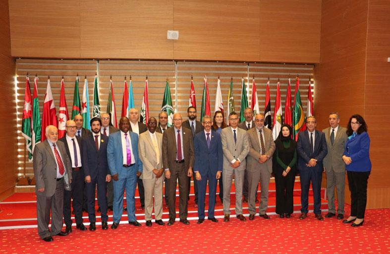 المركز التربوي للغة العربية لدول الخليج بالشارقة يشارك في اجتماع لـ «الألكسو» في تونس