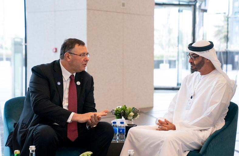 محمد بن زايد يلتقي رئيسي توتال الفرنسية و بورصة انتركونتيننتال