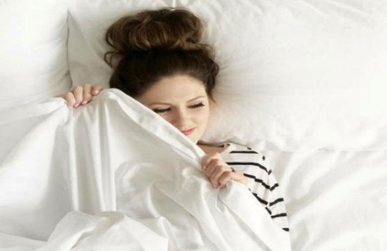 أسباب غير متوقعة تسرق النوم من عينيك!