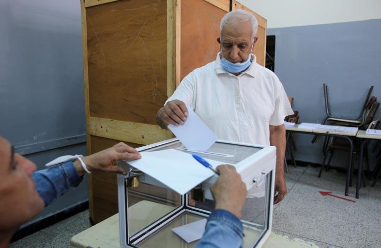 «مجتمع السلم» تعلن تصدّرها الانتخابات الجزائرية