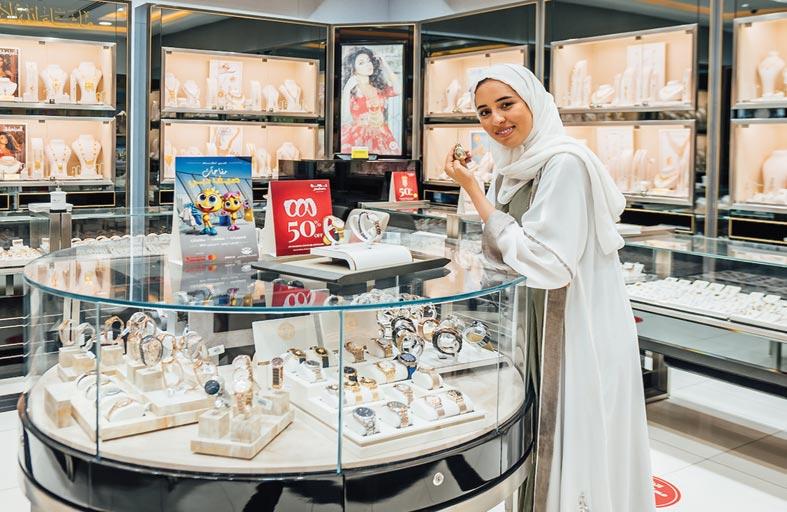 مفاجآت صيف دبي تقدم للمتسوقين فرصة اقتناء أحدث صيحات الموضة