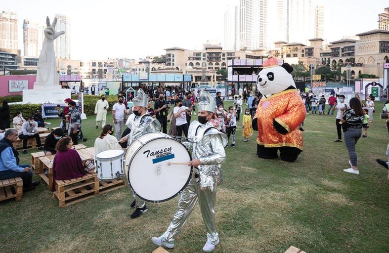 سوق اتصالات ماركت  أو تي بي يحقق نجاحاً كبيراً خلال مهرجان دبي  للتسوق