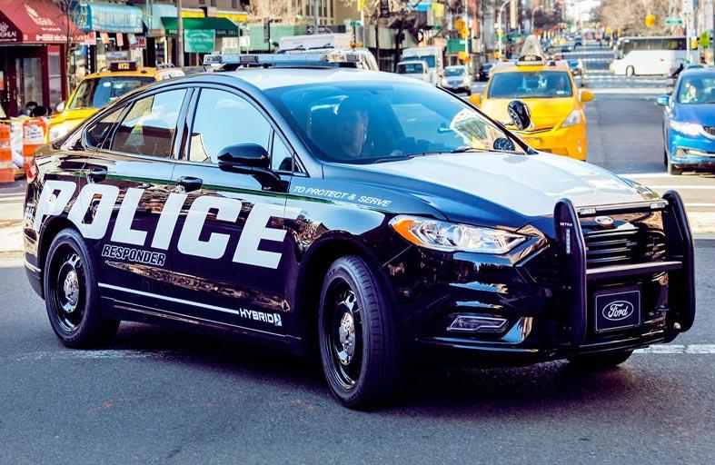نظام تدفئة لقتل كورونا في سيارات الشرطة