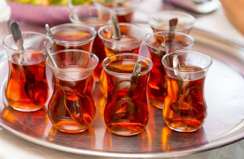 الشاي يوميا يحسن التركيز لدى كبار السن!
