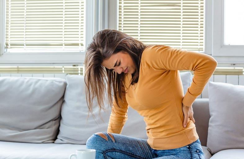 آلام الظهر تظهر ارتباطا بزيادة خطر  الوفاة لدى النساء!