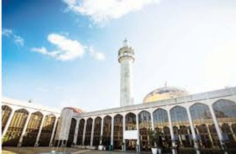 مسجدان لندنيان بقائمة التراث