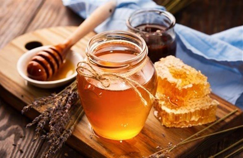 لماذا يتبلور العسل وكيف يمكن معالجته؟