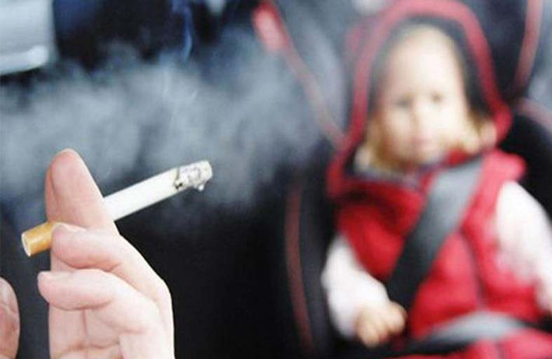 5 أضرار خطيرة على  الأطفال والرضع يسببها التدخين السلبي