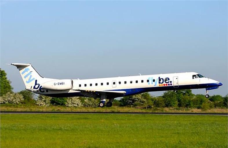 الأمير وليام يستقل طائرة عادية بعد انتقادات