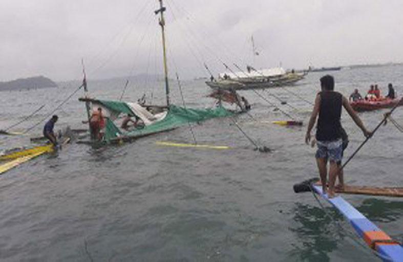 فقدان 12 صياداً فيليبينياً إثر اصطدام قاربهم بسفينة