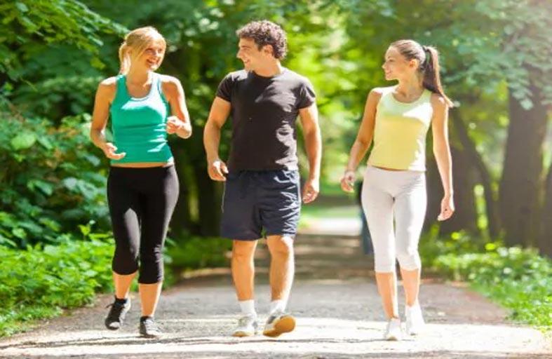 دراسة تكشف فائدة المشي 7000 خطوة فقط في اليوم!