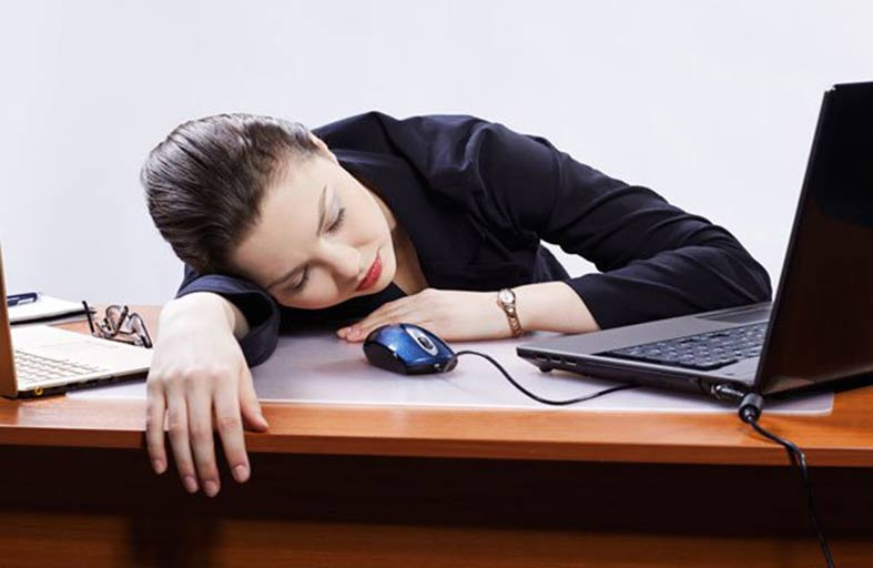 نقص الفيتامين D... أوجاع جسدية متكررة وشعور متواصل بالتعب