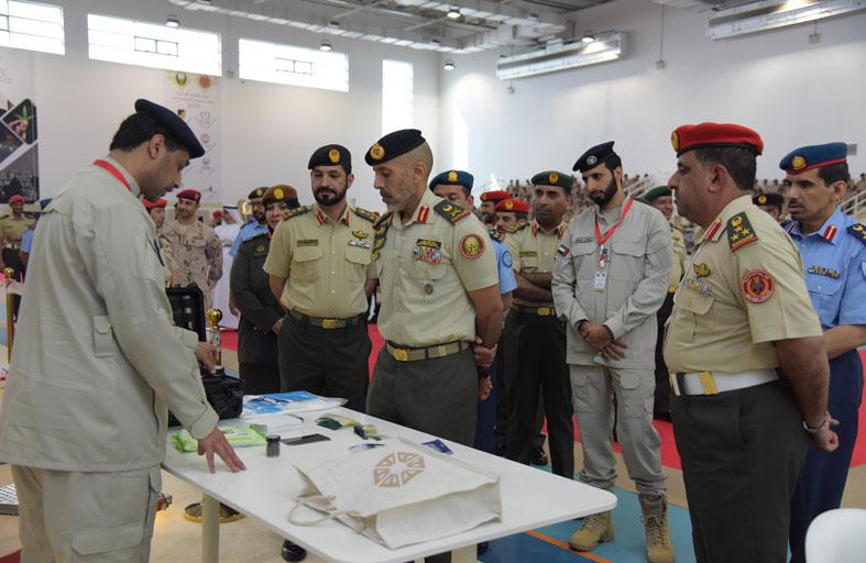 أحمد بن طحنون يفتتح معرض الشرطة العسكرية لمسرح الجريمة ومكافحة المخدرات