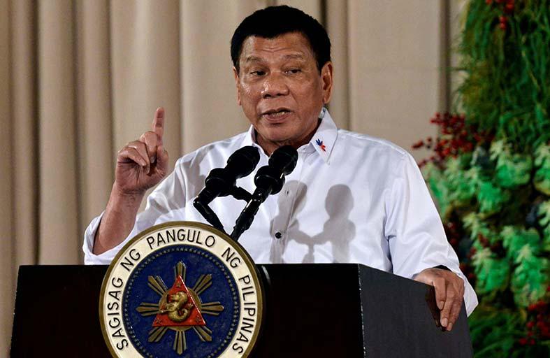 رئيس الفلبين يدعو لانسحاب جماعي من الجنائية