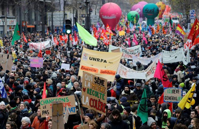 نصف مليون متظاهر خلال إضراب شل فرنسا