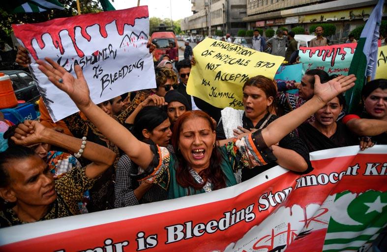 الهند تشدد القيود في كشمير بعد الدعوة لاحتجاجات