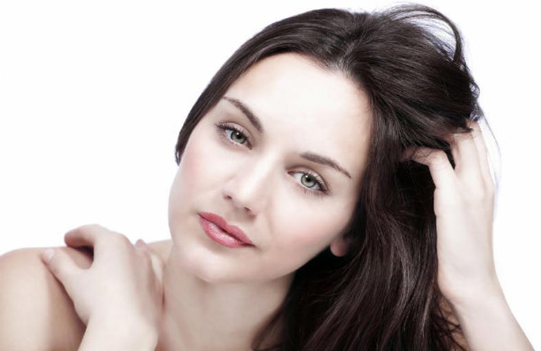 وصفات مجربة للتخلص من قشرة الشعر
