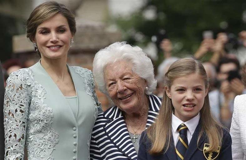 ملكة إسبانيا حزينة على رحيل جدتها