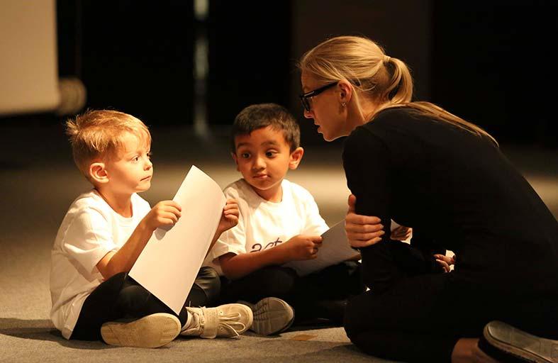 مسرح القصباء يجمع أحلام الأطفال لتحقيق النجومية في عالم الدراما والتمثيل