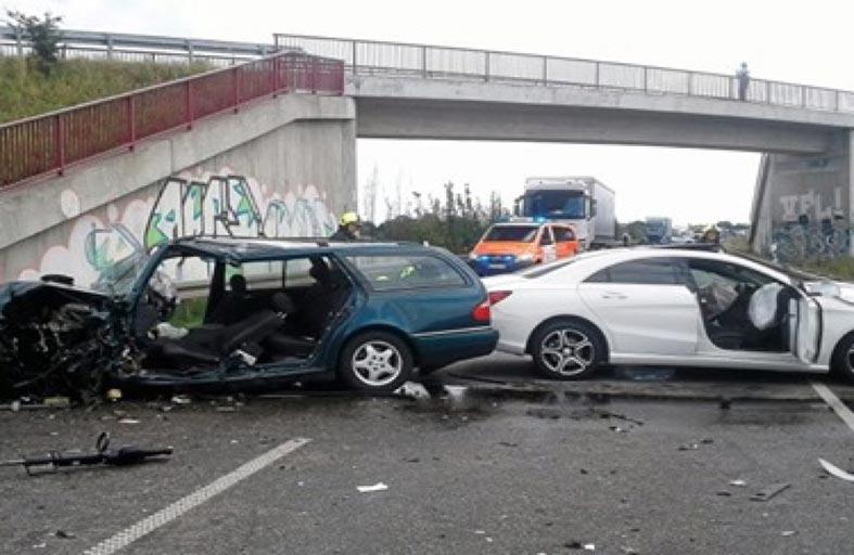 تصادم 16 سيارة في حادث مروّع بألمانيا