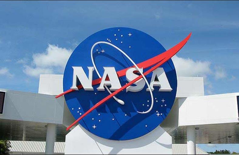 ناسا: كوري يوافق على زيارة معمل أبحاث القمر