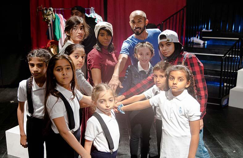 «الجليلة » يقدم مسرحية «الأطفال الذين صنعوا المسرحية»