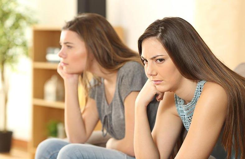 مشاكل تواجهها المراهقات..وطرق حلها