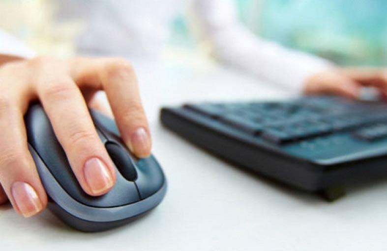ذراع الفأرة تهدد موظفي العمل المكتبي