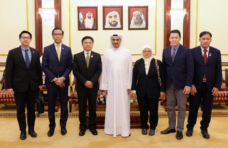 حاكم الفجيرة يستقبل سفيري كوريا الجنوبية وتايلاند