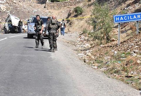متمردون أكراد يهاجمون عربة عسكرية تركية