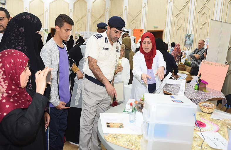 25 مدرسة و 300 طالب وطالبة يشاركون في معرض العين تبتكر