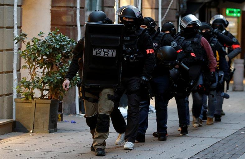 صدمة في فرنسا بعد هجوم سوق عيد الميلاد