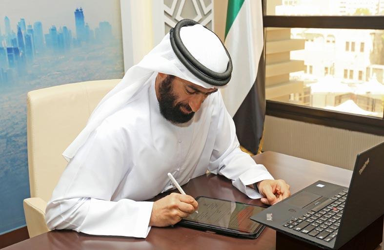 دائرة الموارد البشرية لحكومة دبي ومايكروسوفت توقعان  مذكرة تفاهم لتعزيز مهارات الإماراتيين وترسيخ خبراتهم