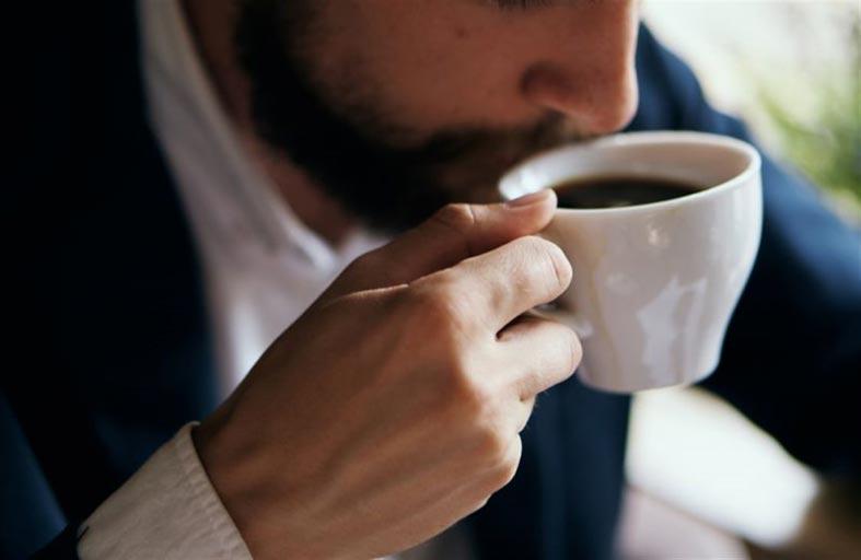 القهوة يمكن أن ترفع ضغط الدم!