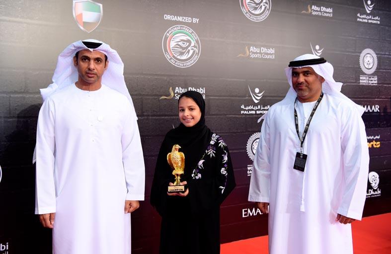 اتحاد الإمارات للجوجيتسو يكرّم بلقيس الهاشمي في ثاني أيام «أبوظبي جراند سلام»