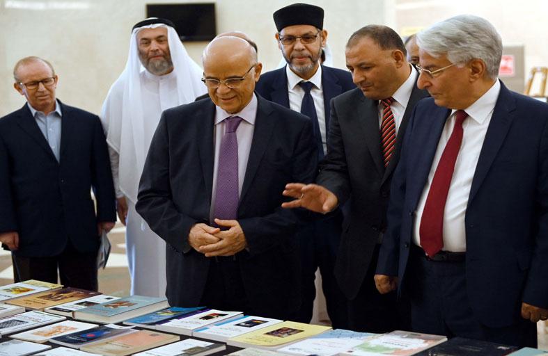كلية الآداب والعلوم الإنسانية والاجتماعية بجامعة الشارقة تحتفل باليوم العالمي للغة العربية