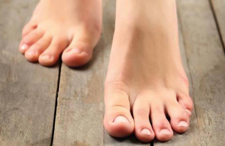 ما العلاقة بين البوتاسيوم والملح وتورّم القدمين؟