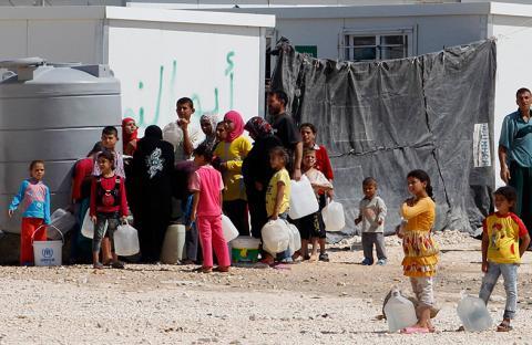 عاهل الأردن يدعو لتنسيق عربي ودولي  أكثر جدية لوقف تداعيات الأزمة السورية