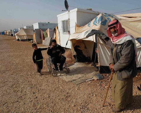 سوريون يعودون من الأردن للقتال ببلادهم .. الأمم المتحدة تشكك بنجاح مهمة الإبراهيمي