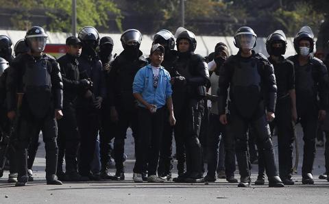 الرئاسة المصرية: وزراة الداخلية مسؤولة عن ضبط الأمن