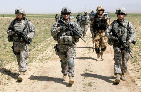 واشنطن تدرس تسريع الانسحاب من أفغانستان