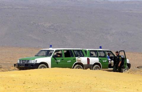 الجزائر تسمح بدخول الليبيين الفارين من المواجهات