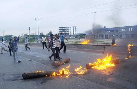 أعمال عنف وإضراب عام في بنغلادش