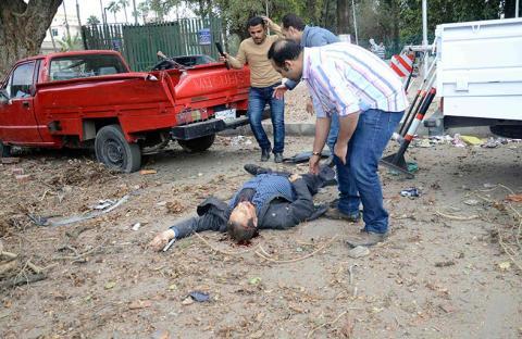 3 انفجارات إرهابية تهز محيط جامعة القاهرة