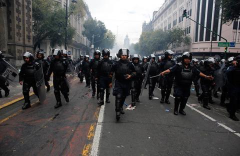 اعتقال عشرات المحتجين في مكسيكو سيتي