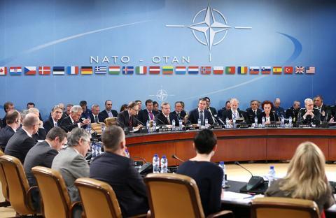 تواصل محادثات الناتو وروسيا بشأن كيماوي سوريا