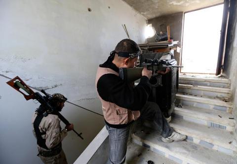 الأهالي يديرون مناطق سورية محررة